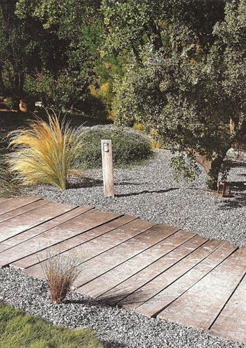 Revue de presse sur des cr ations de jardins paysagers for Jardins zen et contemporains